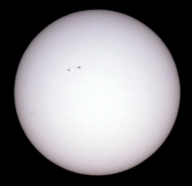 Credit: Michael Khan, Darmstadt / Die Sonne im Weißlicht am 28.3.2017, 10:16 MESZ. Canon EOS1200D mit Leitz MR-Telyt 500/8 unter Verwendung von Baader D5 Sonnenbeobachtungsfolie
