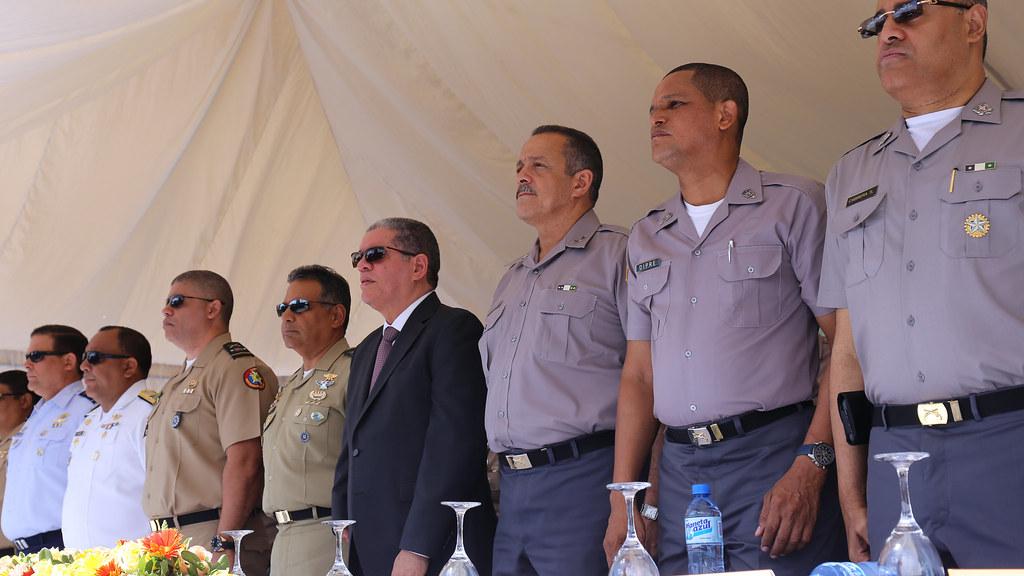 Gobierno lanza programa nacional preventivo sin armas y for Porte y tenencia de armas de fuego en republica dominicana