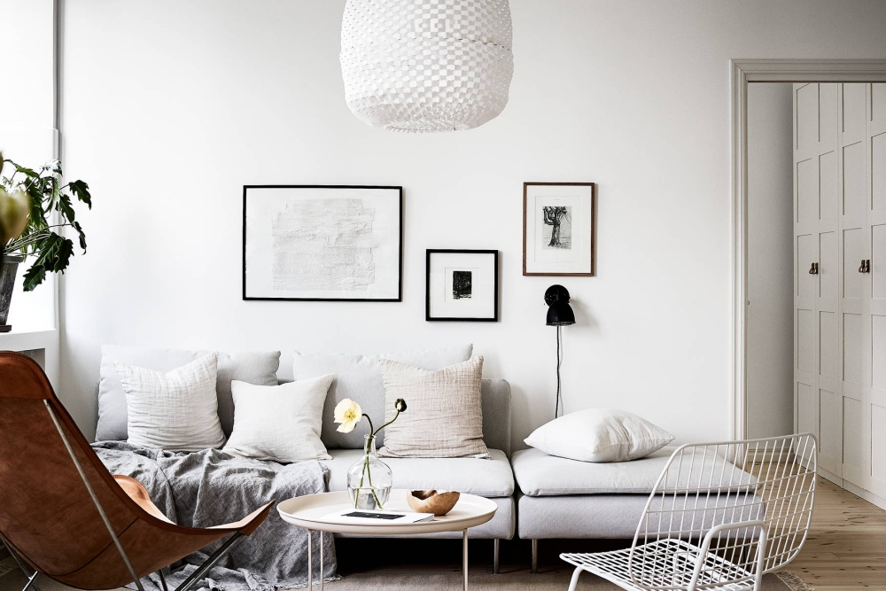 White Sandinavian Home With Warm Details
