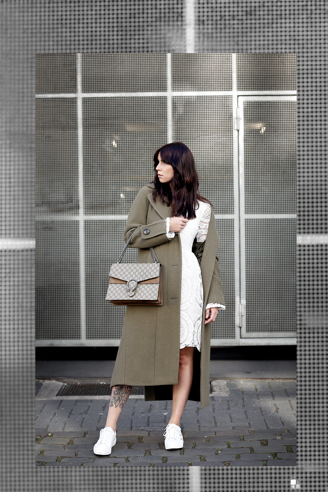 about you coat khaki wool white lace dress vila sneakers sacha gucci dionysus bag mvmt watch gold ootd styling lookbook cats & dogs modeblog ricarda schernus fashionblogger berlin düsseldorf 5