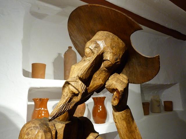 Talla de madera del Quijote en la Venta del Quijote de Puerto Lápice