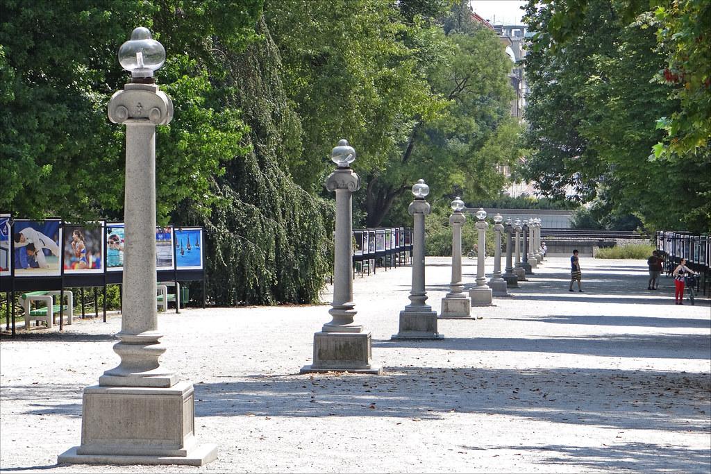 Le parc tivoli ljubljana la grande all e du parc for Architecte 3d wikipedia