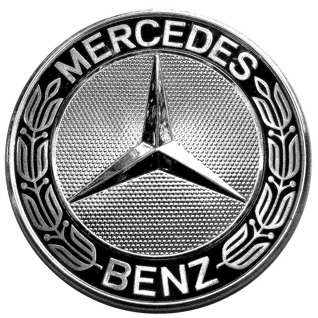 mercedes benz emblem logo history on white auf. Black Bedroom Furniture Sets. Home Design Ideas