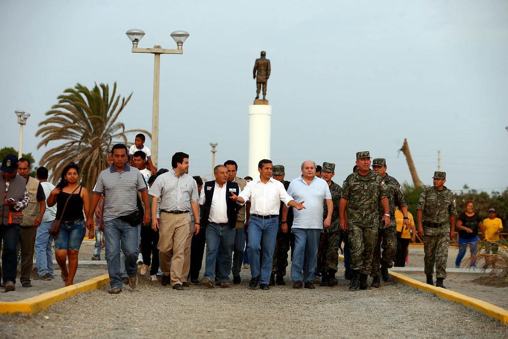 Résultats de recherche d'images pour «ollanta humala inaugura alameda de pisco»