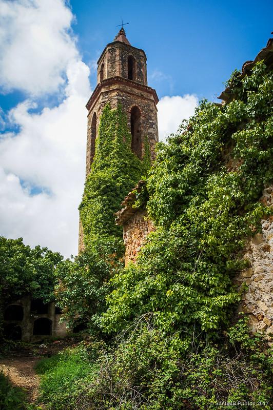 Campanario de Sant Miquel de Marmellar desde el cementerio