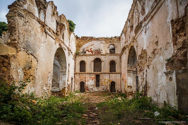Interior de Sant Miquel de Marmellar