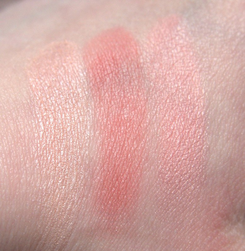 Essence Blush Play Sculpting Play It Peach