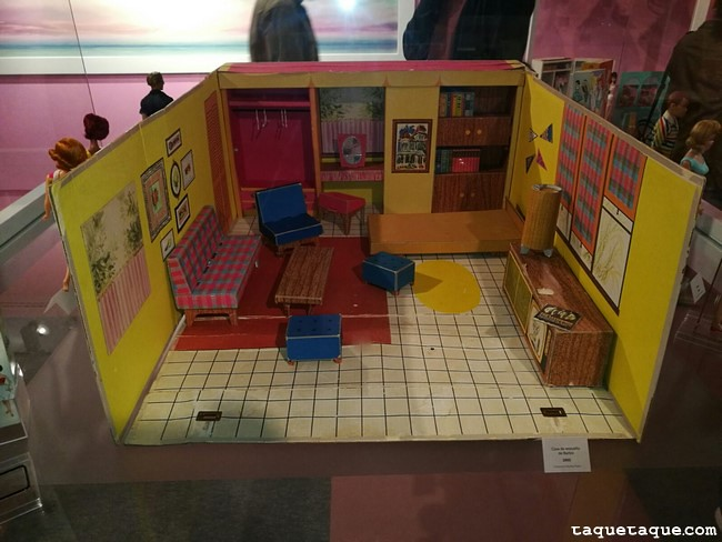 "Barbie ""Dreamhouse"" (1962)"