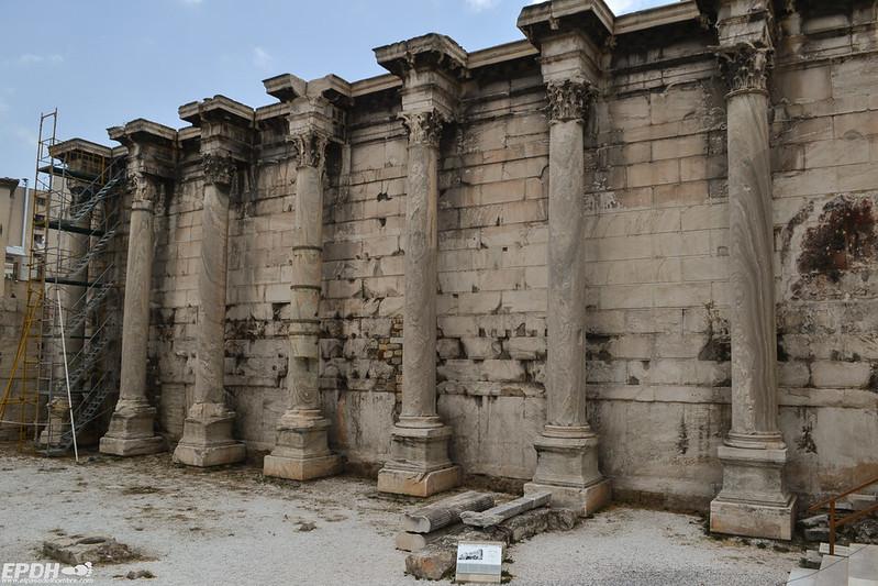 La facada restaurada de la Biblioteca de Adriano