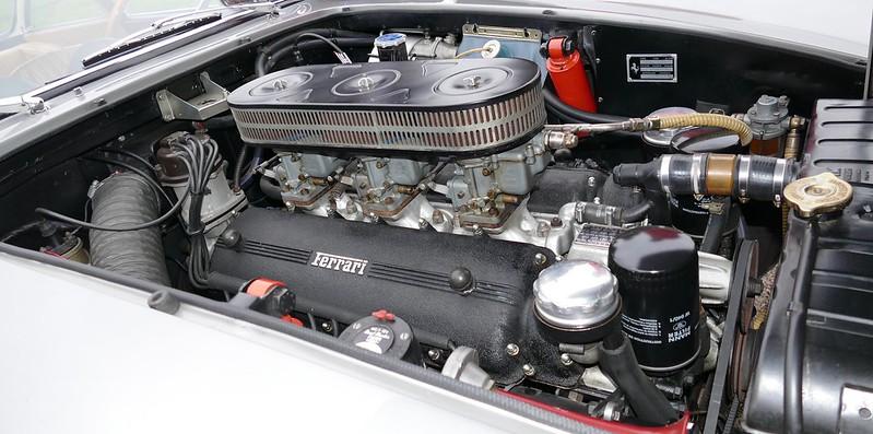 Ferrari 250 GTE PininFarina 1962 - Linas Montlhéry Octobre 2017 33493161256_73783c16c0_c
