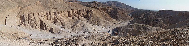 1-11x-1200px-Valley_of_the_Kings_panorama