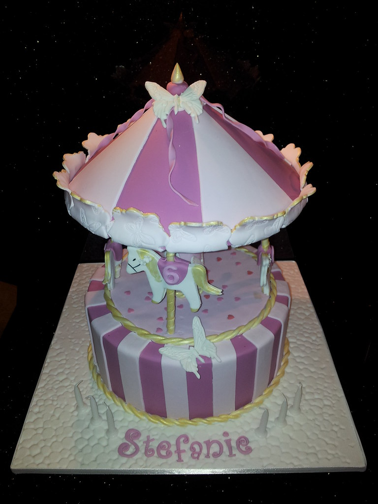 Carousel Cake Carousel Birthday Cake For A Six Year Old Gi Flickr
