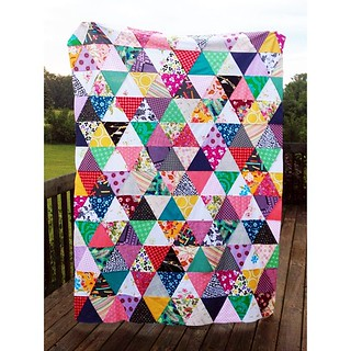 Another quilt top finished #busybee #a2mqgretreat | by emmmylizzzy