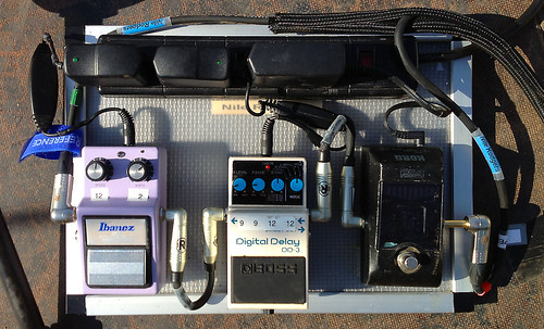 Nile Rodgers' pedalboard | pic 02 | by Reference Laboratory