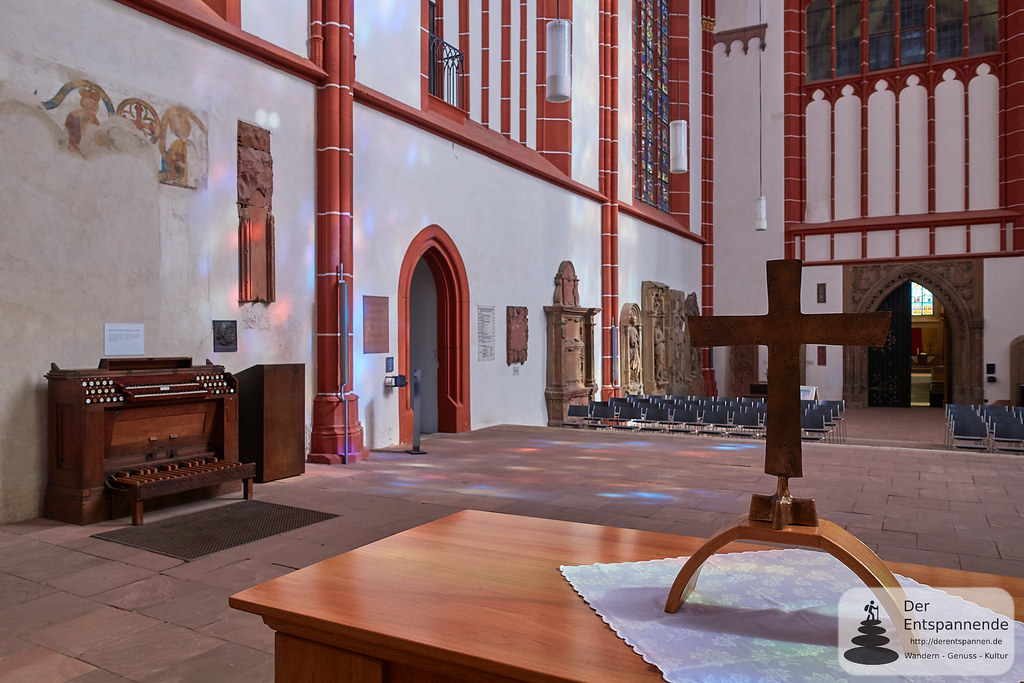 Katharinenkirche Oppenheim: Glöcknerstube mit Orgelspieltisch