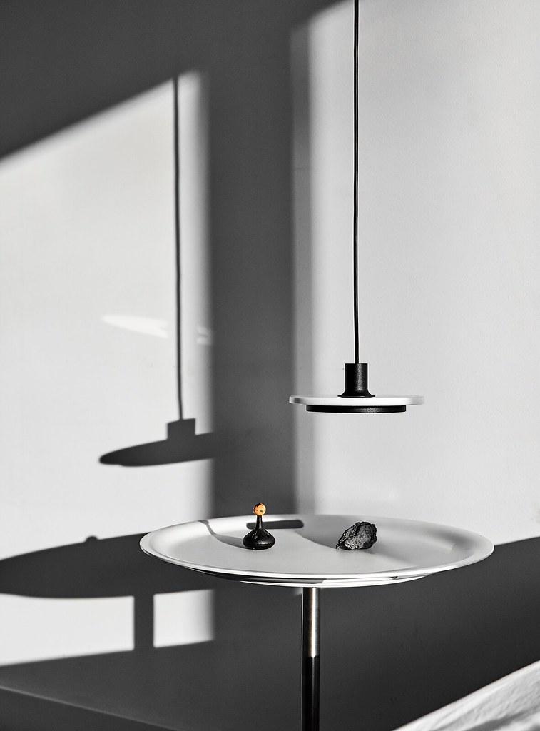 Minimal pendant and floor lamp by London-based designerr Romain Voulet Sundeno_11