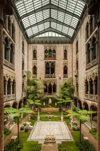 Isabella Stewart Gardner Museum Courtyard Garden photo by Nic_Lehoux