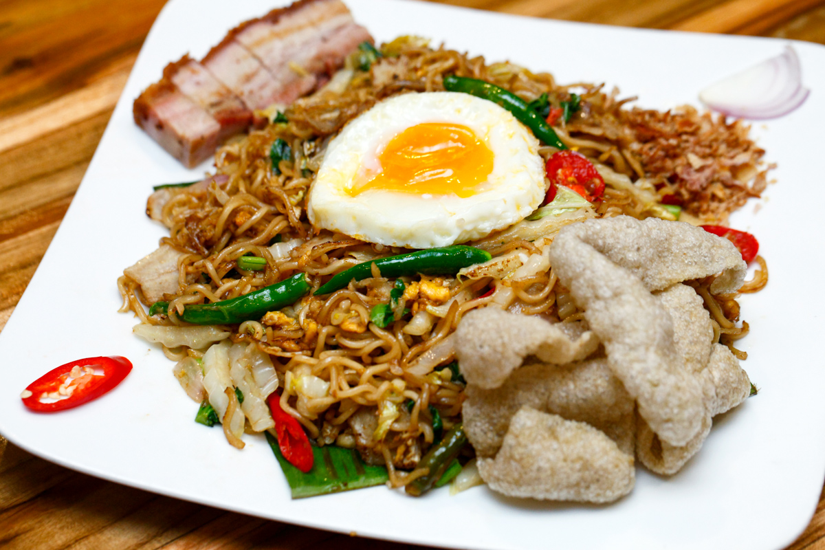 Naughty Nuri's Indonesian Mee Goreng