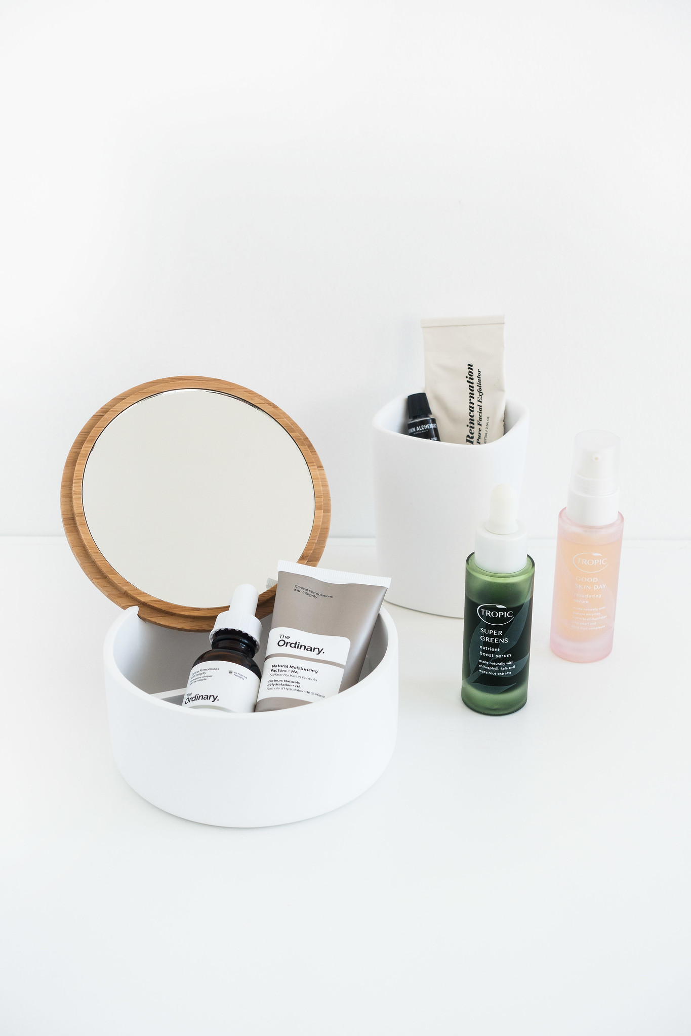A Minimalist Spring Beauty Routine