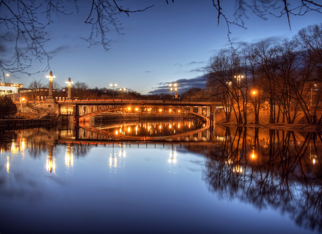 Voidu Bridge in Tartu at night
