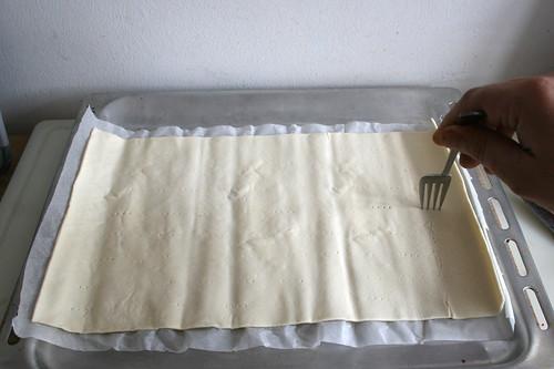 44 - Blätterteig anstechen / Pike pastry