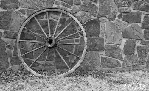 Lone Wagon Wheel | by Kool Cats Photography over 8 Million Views