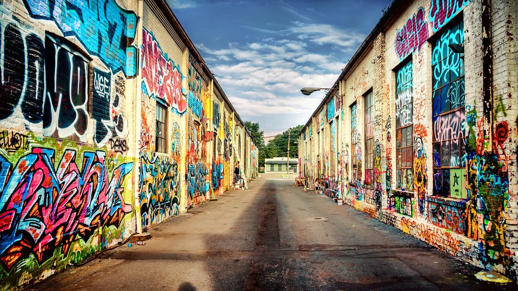 ... Graffiti Alley   By Sky Noir