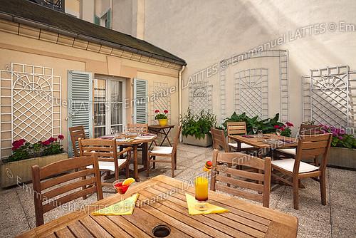 meubles en teck tectona sp sur une terrasse vichy 0320 flickr. Black Bedroom Furniture Sets. Home Design Ideas