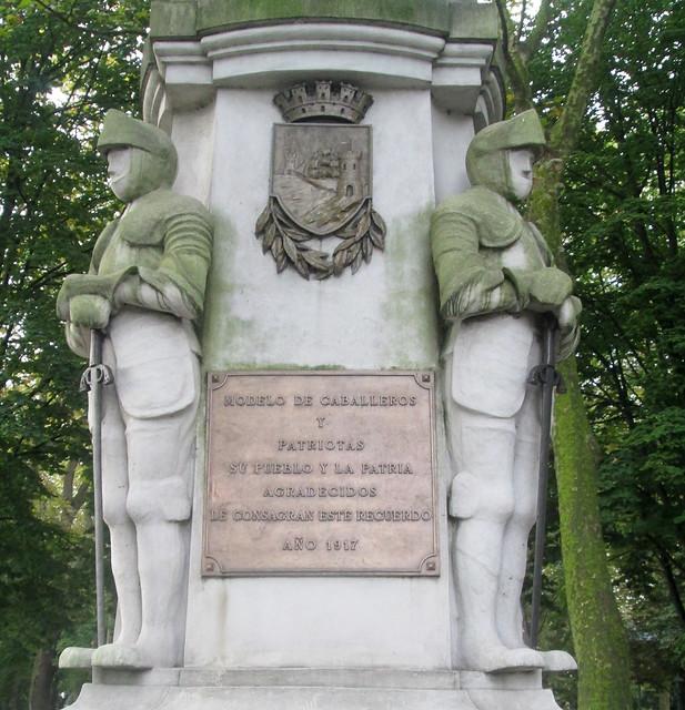 Avilés Statue