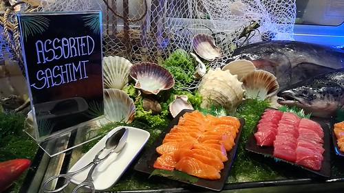 (CLICK TO SEE VIDEO) DavaoFoodTripS.com | Sumptuous Seafood Buffet at Cafe Marco in Marco Polo Davao