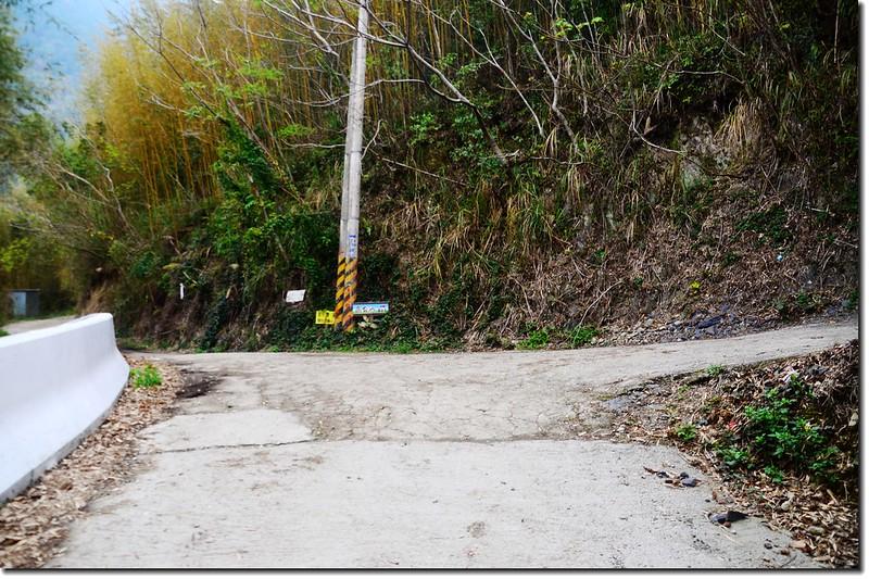 高台山第一、第二登山口岔路