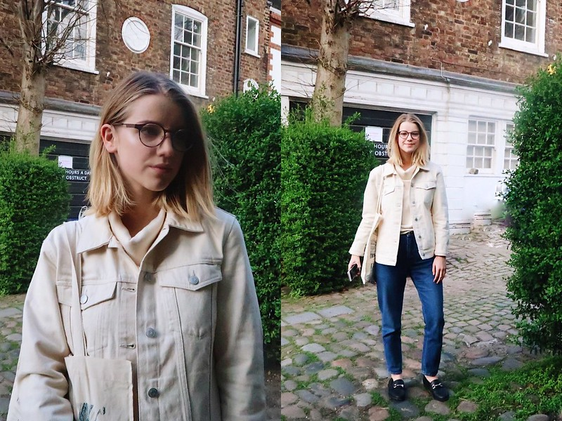 Going to Waterstones Café in Hampstead
