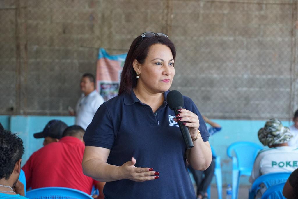 Entrega de escrituras a familias de San Pablo Tacachico