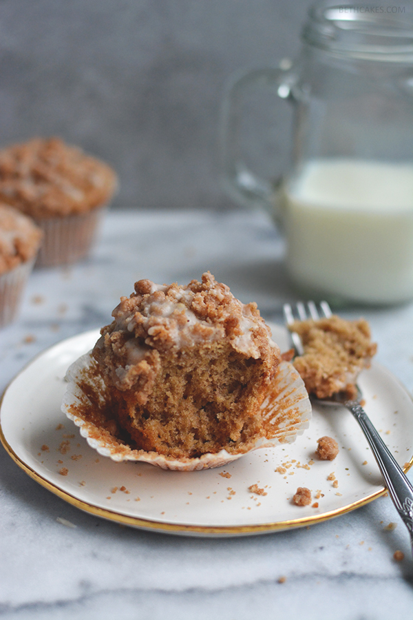 Browned Butter Coffee Cake Muffins // bethcakes.com