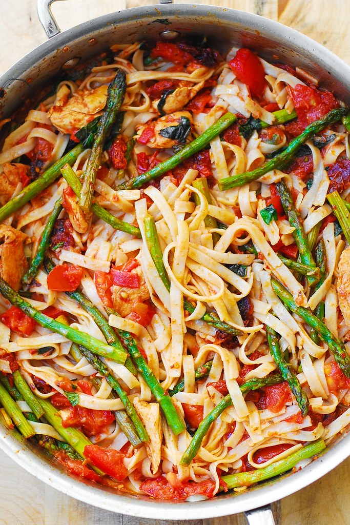 recipe: asparagus chicken pasta [38]