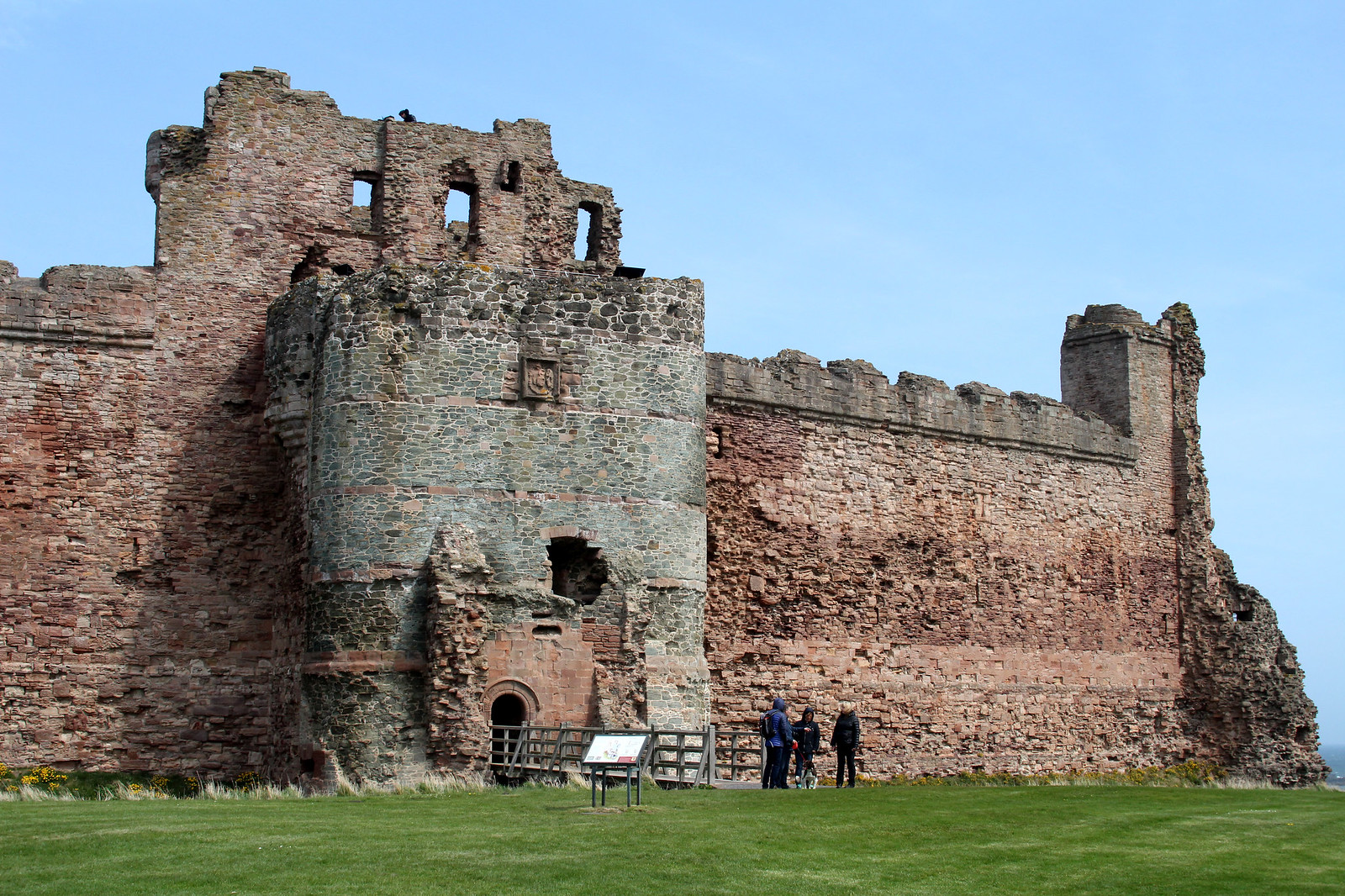Tantallon Castle, North Berwick, East Lothian, Scotland UK travel lifestyle blogger