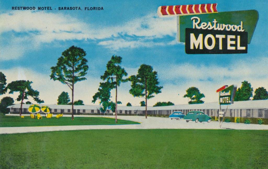 Restwood Motel - Sarasota, Florida