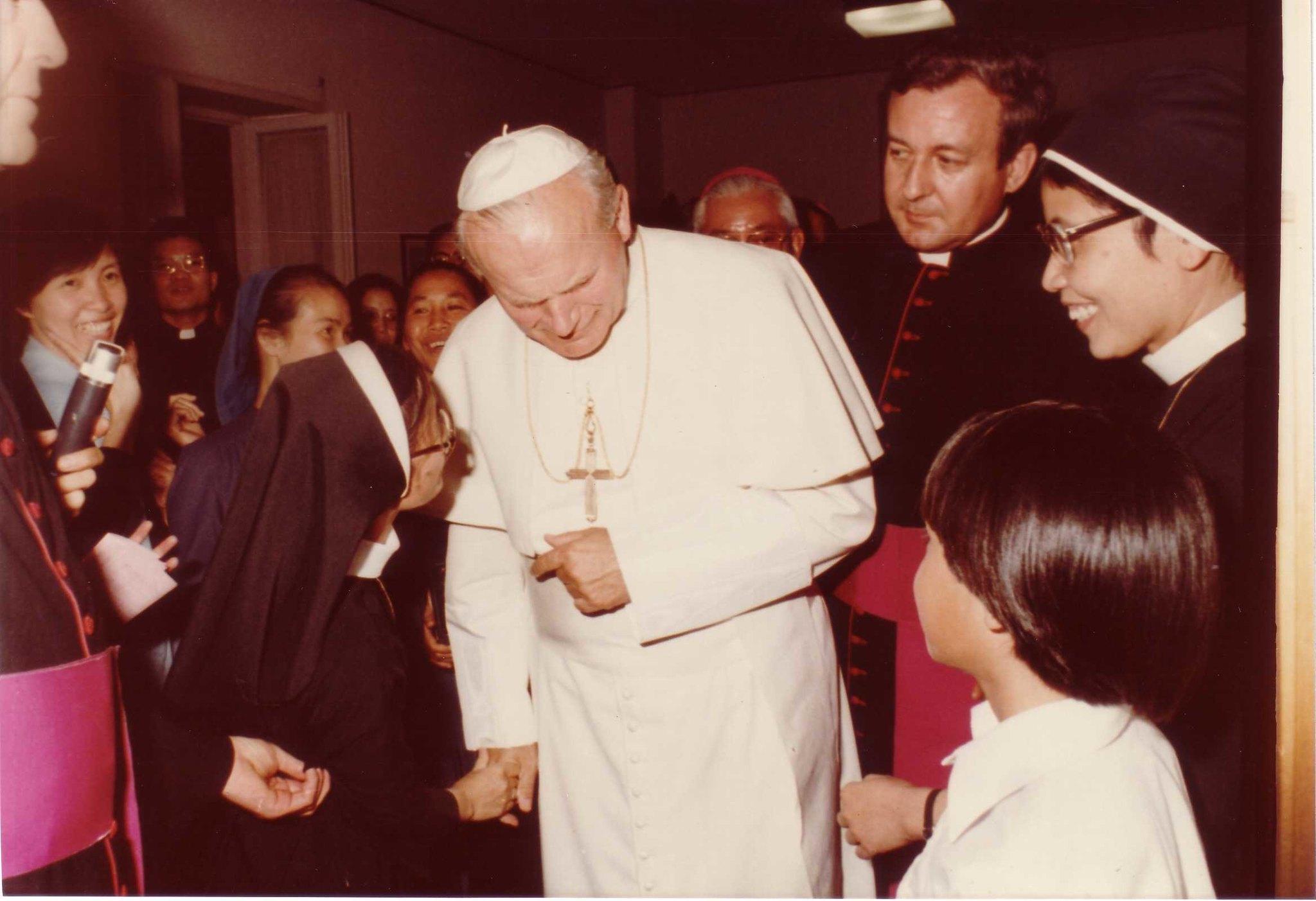 Hotel Foyer Phat Diem Roma : San papa giovanni paul ii visita foyer phat diem