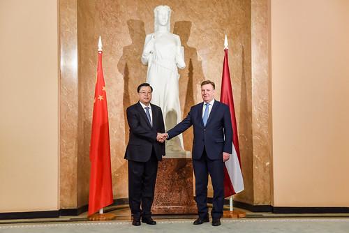 Ministru prezidents Māris Kučinskis tiekas ar Ķīnas Tautas pārstāvju sapulces Pastāvīgās komitejas priekšsēdētāju Džanu Dedzjanu