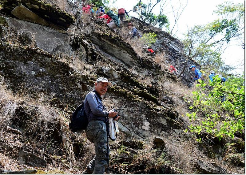 岩壁瘦稜萬年松區 2