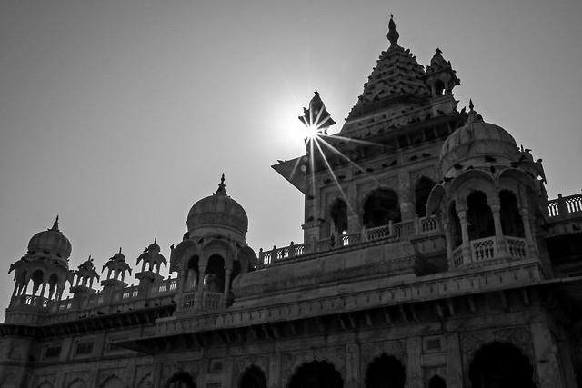 Jaswant Thada with sunlight, Jodhpur, India ジョードプル 逆光のジャスワント・タダ