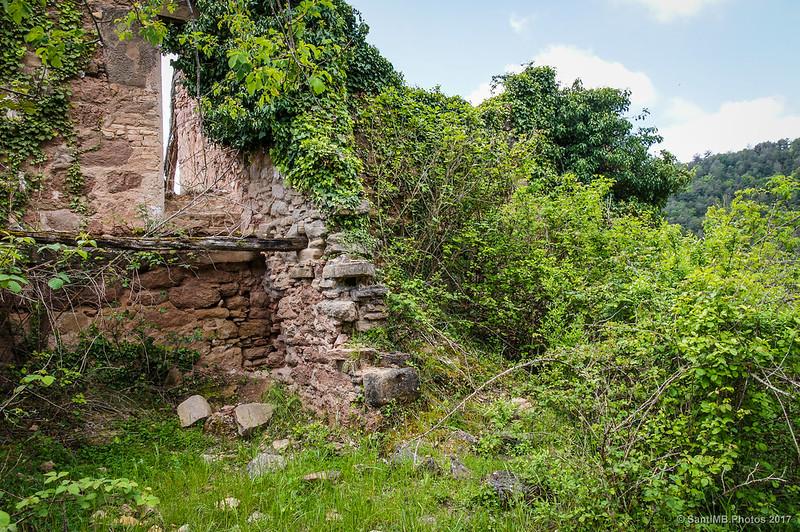 Ruinas en la Roca Romaní