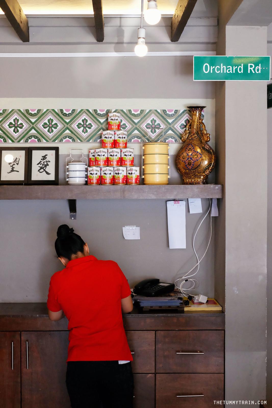 33919816760 c8f884c240 h - A full serving of Singaporean fare at Shiok Shiok QC