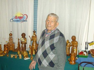 La sua ultima passione per le sculture in legno