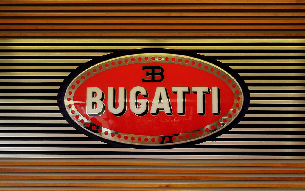 Bugatti Symbol At A Bugatti Dealer Berlin Mitte Germany Ju Flickr