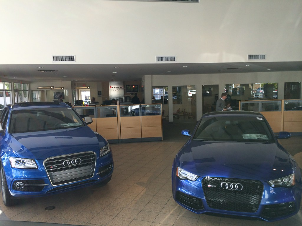 2014 Audi Sq5 And Rs5 Ara Blue Sq5 And A Sepang Blue Rs5