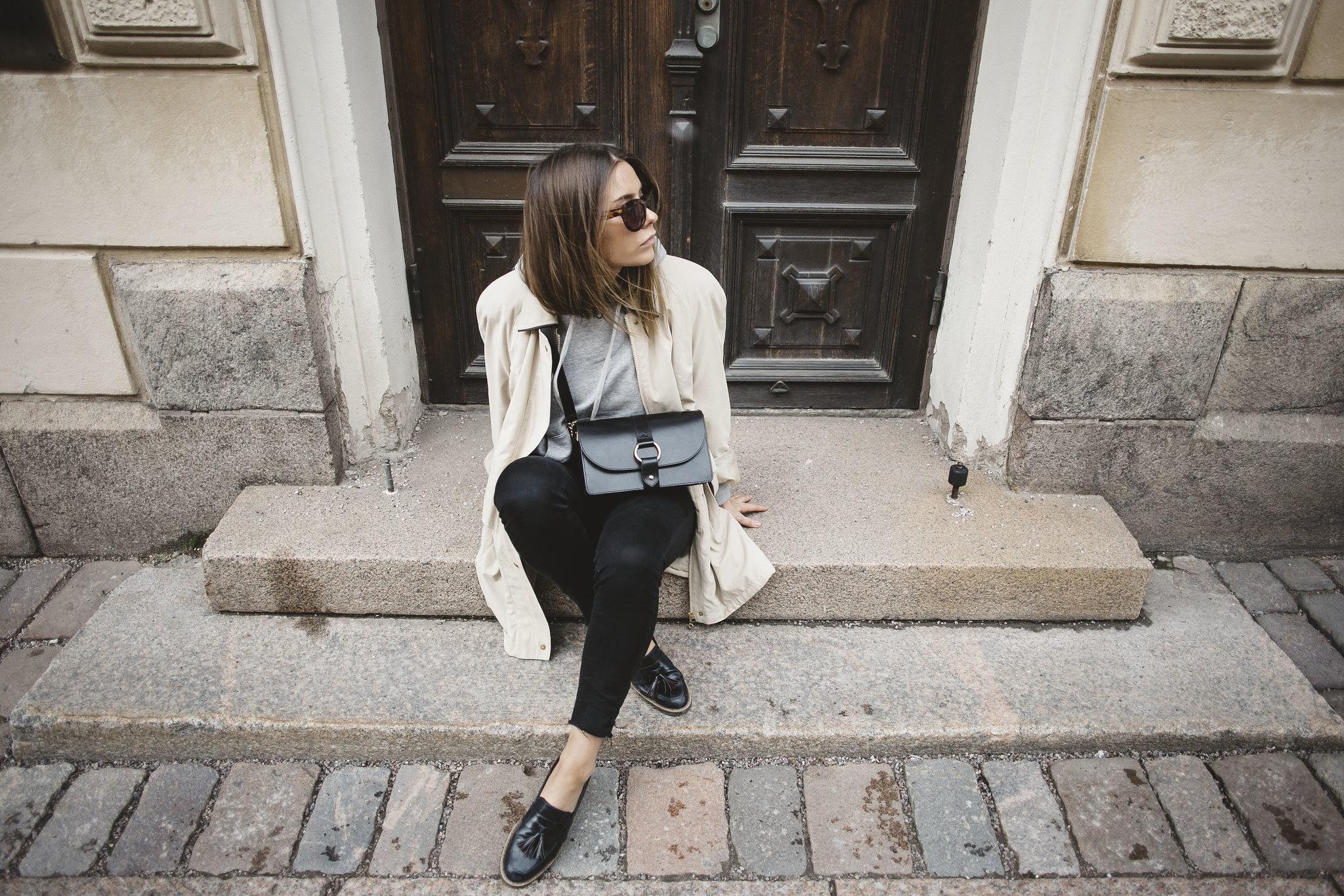 blogger-otherstories-weekday