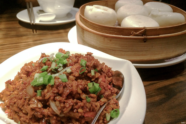lavlilacs Hong Kong Tsim Sha Tsui Empire City Roasted Duck stir fried minced duck meat with wheat bun