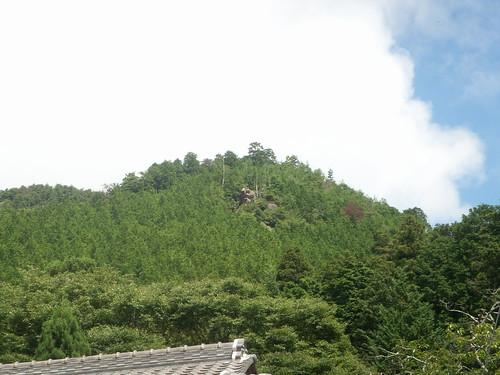 能勢七面山の岩神