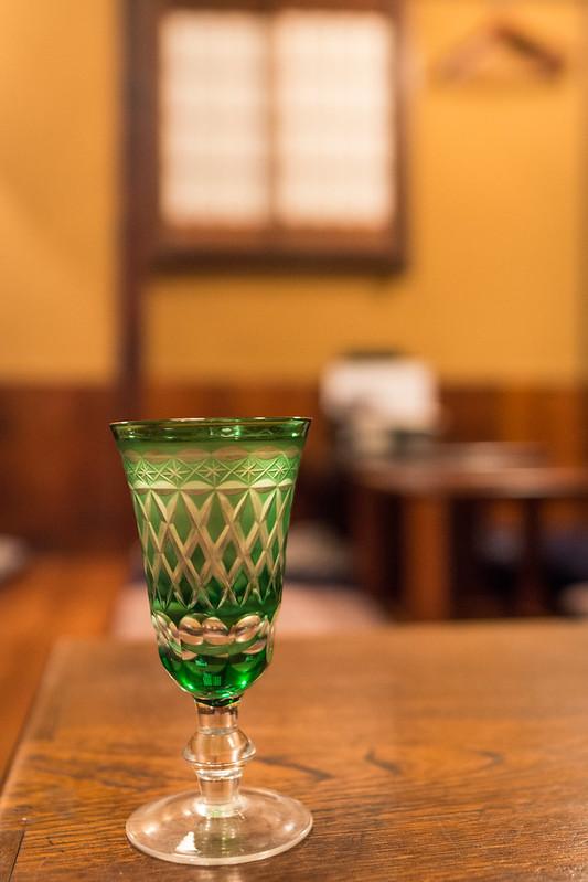 江戸切子に注がれた日本酒